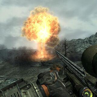 Ядерний вибух від снаряда, випущеного «Товстуни»
