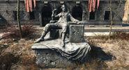 TrinityPlaza-Statue-Fallout4