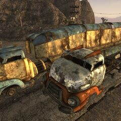 Зламані вантажівки