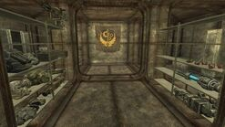 http://fallout.wikia.com/wiki/File:BOS_Safe_house_gear