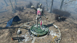 Fo4 The splintered statue