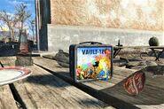 FO4 fancy lunchbox