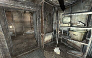 FO3 Mgt Common house small room 01