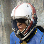 FO4 Красный лётный шлем