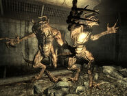 Deathclaw attack