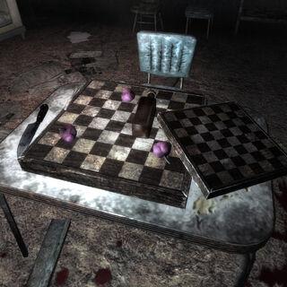 Порівняння маленької і великої шахових дощок