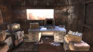 FO76 abandoned bog town Saboteur's desk