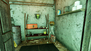FO76 Van Lowe Taxidermy (Aliens room)