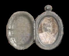 FO76 Silver locket