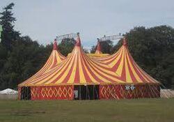 Macdoww's Traveling Circus