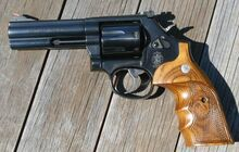 Smith and Wesson 586-7
