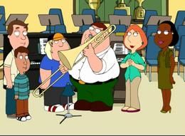Питер играет на трамбоне