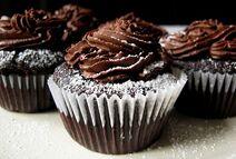 Chocolate-cupcakes-03