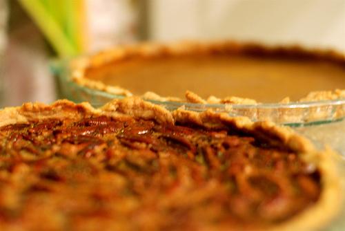 File:Pecan & Pumpkin Pies.jpg