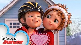 Nancy's Fancy Valentines ❤️ Fancy Nancy Disney Junior