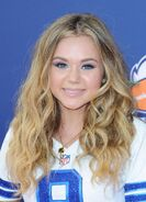Brec-bassinger-at-nickelodeon-kids-choice-sports-awards-in-westwood 1