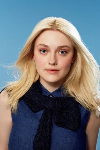 Dakota-fanning-and-tom-odell-star-in-new-uniqlo-campaign 7