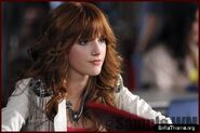 Bella-thorne-frenemies-06