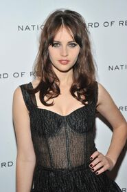 Felicity Jones 4