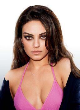 Mila-Kunis-GQ-Magazine-Photoshoot-2011-7