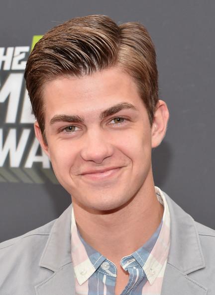 Cameron Palatas Arrivals MTV Movie Awards Vfi jtGR3H3l