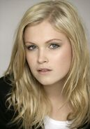 Eliza-taylor-cotter-362321