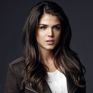 Marie avgeropoulos brunette actress photoshoot girl 100072 2048x2048