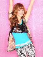 Shake-it-up-bella-thorne-3