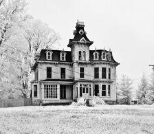 Black-and-white-creepy-house-light-scary-snow-Favim.com-82384