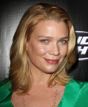 Laurie-holden-screening-the-shield-01