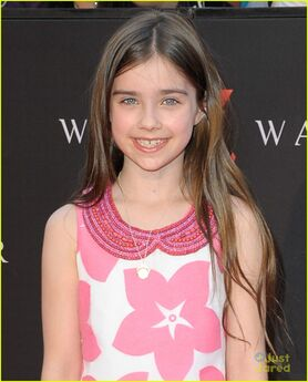 Sterling-jerins-abagail-hargrove-world-war-z-nyc-premiere-07