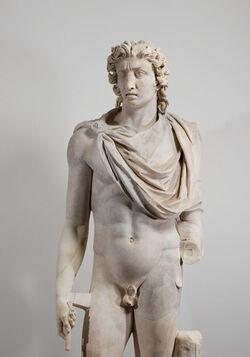 Estátua do deus Hélios feita no Império Romano