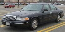 280px-Ford Crown Victoria LX