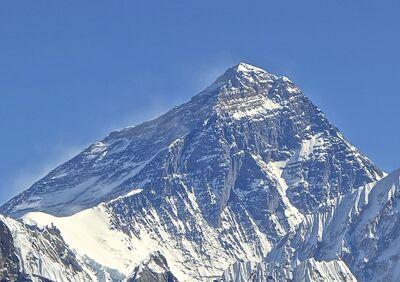 Mt. Everest from Gokyo Ri November 5, 2012 Cropped