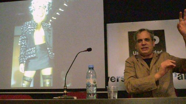 Fashion designer conference Francisco Ayala at the University of Palermo