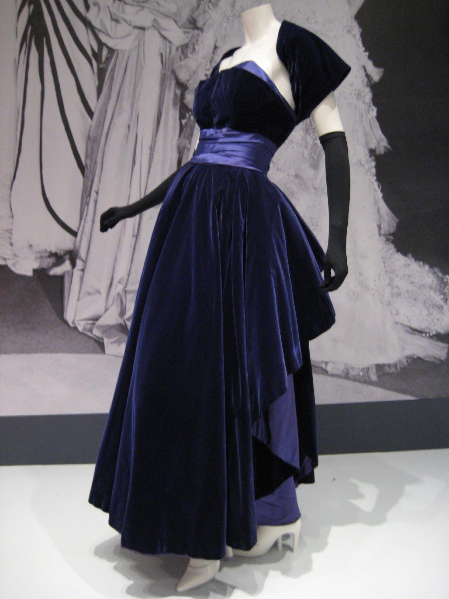 Christian Dior | Fashion Wiki | FANDOM powered by Wikia