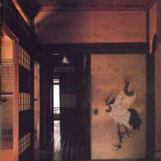 Area of the tatami room. Note the observatory's balcony deep inside the photo.