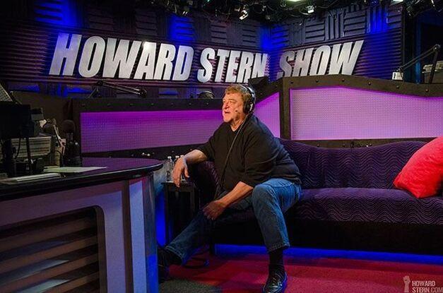 John Goodman Howard Stern