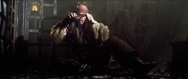 Jack Sparrow findet Gibbs' Flachmann