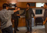 Fear-the-walking-dead-episode-215-travis-curtis-2-935