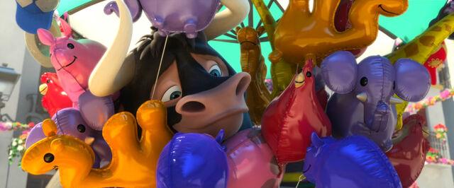 File:Ferdinand Smiling Behind Balloons.jpg