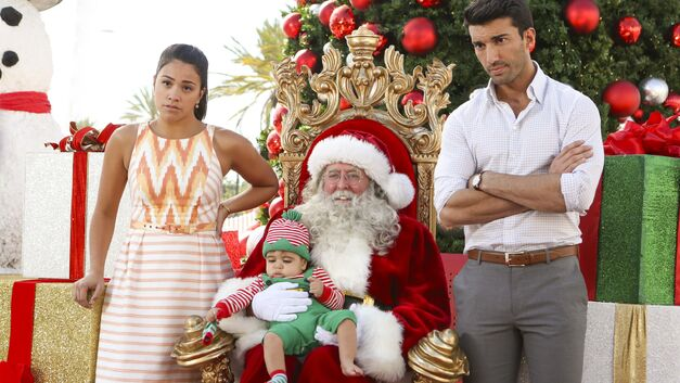 Jane-Rafael-Santa-Photo jane the virgin