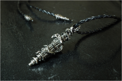 """First Accessory in the """"Final Fantasy XI Players' Collection"""" Line Now on Sale! (08-18-2008)-2"""