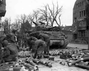 M4a3-105-medium-tank-02