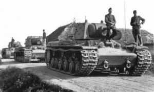 """KV-1E """"Ekranami"""""""