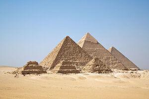 800px-All Gizah Pyramids