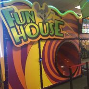 Chuck E. Cheese's Fun House