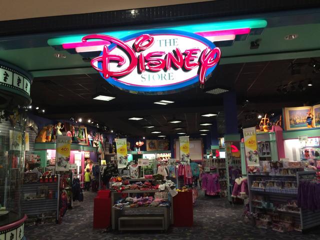 File:Pulaski, VA Disney Store closing 4.png