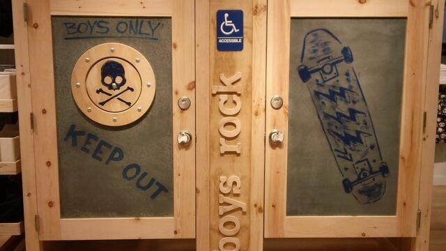 File:77 Kids boys fitting rooms.jpg