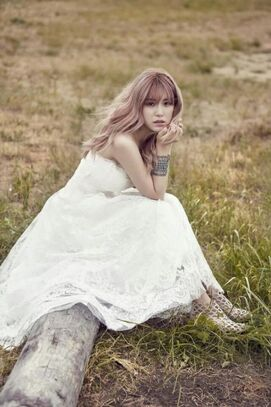 Hyosung-is-a-stunning-bride-in-more-photos-from-her-InStyle-pictorial 74